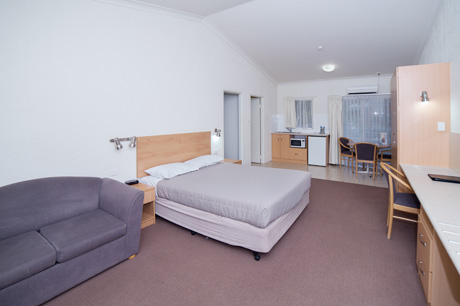 Family Room 1 at Boulevarde Motor Inn - Accommodation Wagga Wagga
